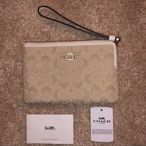 Heritage tan Coach wristlet brand new never used